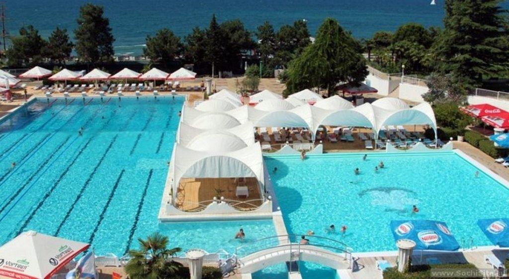 отель Жемчужина - бассейн