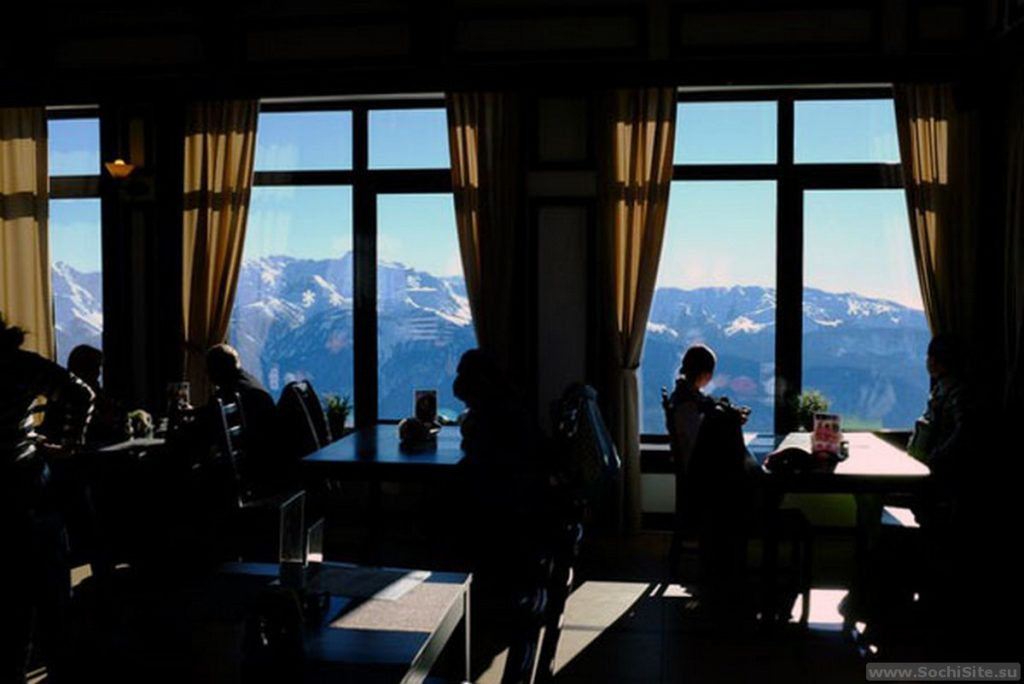Ресторан Высота Роза Хутор - вид на горы