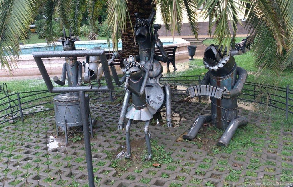 Необычные памятники Сочи