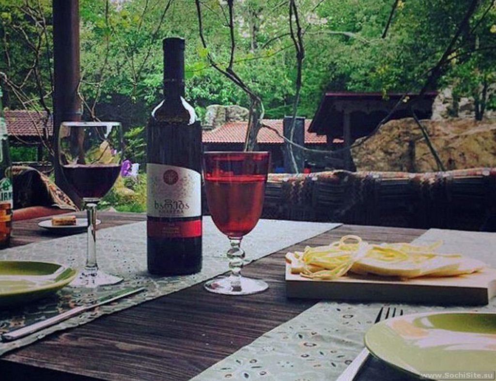 Ресторан Кавказский аул Сочи - вино