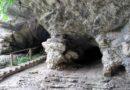 Вход в Ахштырскую пещеру